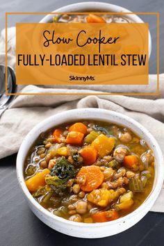 Fully-Loaded Slow Cooker Lentil Stew Snacks Recipes, Keto Recipes, Heart Healthy Recipes, Healthy Snacks, Healthy Eating, Slow Cooker Lentils, Healthy Dinner Options, Lentil Stew