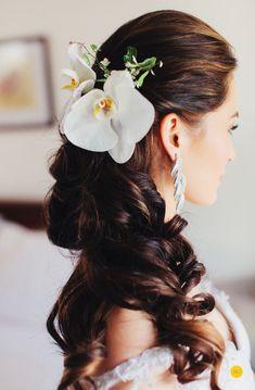 Oyo Sotto and Kristine Hermosa Wedding – Nelwin Uy Photography – Manila / Worldwide Wedding Pins, Wedding Day, Dream Wedding, Bridal Headpieces, Bridal Hair, Wedding Photography Inspiration, Wedding Inspiration, Wedding Motifs, Creative Wedding Ideas