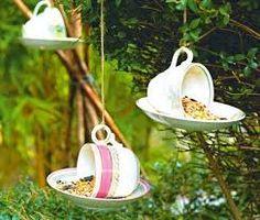 Resultado de imagen para comederos para aves decorados