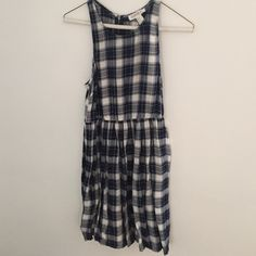 New with out tags plaid dress Never been worn super cute plaid dress. Light material so its perfect for spring and summer Forever 21 Dresses Mini