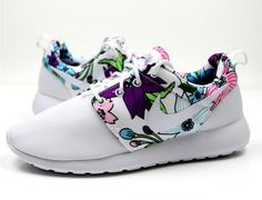 huge selection of 90c69 3eb90 Nike Roshe One Femmes s Non-Slip Bold Berry Print 599432-113 Sportifs  Chaussures Blanc