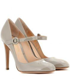 ce482de21f48d5 Patent leather Mary Jane pumps Absatz