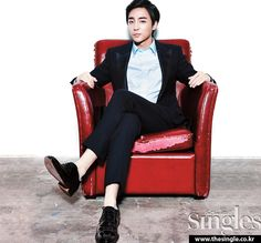 Roy Kim turns up the suavitude for Singles Korean Men, Korean Actors, Kim Sang Woo, Roy Kim, Stylish Mens Outfits, Asian Celebrities, Cover Songs, Talent Show, Korean Singer