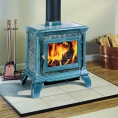 The Hearthstone Tribute small soapstone wood burning stove. Featured at Monroe Fireplace & Stove. Wood Stove Fireplace Insert, Wood Burning Fireplace Inserts, Hearthstone Wood Stove, Soapstone Wood Stove, Stoves For Sale, Vintage Fireplace, Cast Iron Stove, Into The Woods, Wood Burner