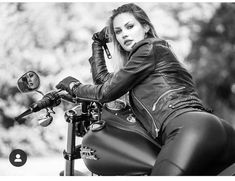 Outstanding Harley Davidson images are readily available on our website. look at this and you wont be sorry you did. Motorbike Girl, Motorcycle Outfit, Motorcycle Garage, Lady Biker, Biker Girl, Ducati Monster, Harley Davidson Images, Chicks On Bikes, Leder Outfits