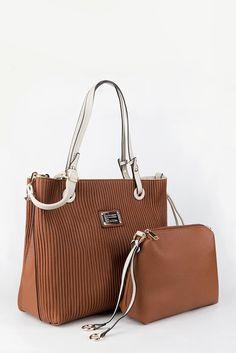 a6218f168a Υπέροχη ανάγλυφη τσάντα ώμου με εσωτερικό τσαντάκι από τα Fullah Sugah!!  Χρώματα