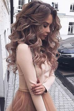 Wedding Hairstyles For Long Hair So-Pretty Long Down Hairstyles for Prom Night - Check out our collection of prom hairstyles for long hair. We have picked only the trendiest and most elegant hairstyles for you to look chic. Medium Hair Styles, Short Hair Styles, Hair Styles For Prom, Curl Hair Styles, Hair Down Styles, Prom Hair Down, Curled Hair Prom, Formal Hair Down, Formal Updo
