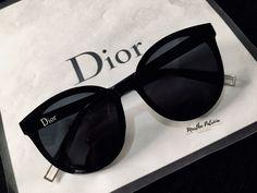 Ray Ban Sunglasses Sale, Black Sunglasses, Cat Eye Sunglasses, Sunglasses Women, Kawaii Accessories, Fashion Accessories, Glasses Trends, Womens Glasses Frames, Lunette Style