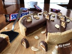 Snickers Cake, Vegan Cheesecake, Healthy Deserts, Dessert Recipes, Desserts, Sweet Treats, Food And Drink, Healthy Eating, Yummy Food