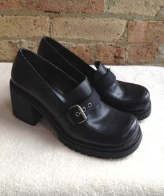 Nine West ★ Chunky Black Heels size 8.5 M ★ Leather Glisten Wedged Loafers