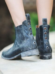 Love the back details on these boots! From http://www.freepeople.com/shop/mountain-peaks-chelsea-boot/