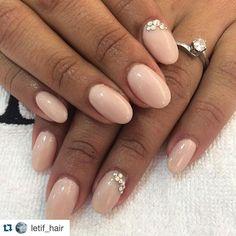 Een prachtige voorbeeld met onze NR 43 ⚜#inspiration #pronails #romantic #creation #nailsofinstagram #pn #gelnails #loveyourhands