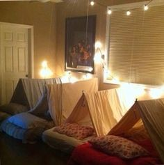 Great idea for either a sleep over or maybe just even an everyday bedroom!