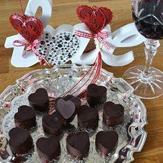 Chocolate raspberry hearts..yum. Recipe is on the blog http://www.thehappysnug.com/  #valentine #chocolate #hearts #sweets #candy #darkchocolate #chocolatehearts #thehappysnug #blogger #bloglaunch #lifestyle #romance #romantic #love #loveandromance #specialsomeone #newblog #newblogpost #valentinesday #valentinetreat