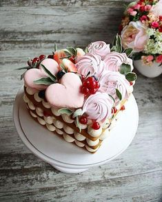 Getting smart with valentine cake decorating tips 4 – fugar Pretty Cakes, Cute Cakes, Beautiful Cakes, Amazing Cakes, Mini Cakes, Cupcake Cakes, Valentines Day Cakes, Biscuit Cake, Number Cakes