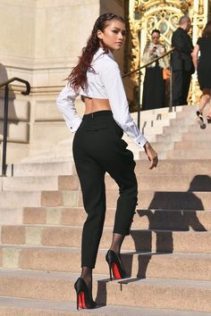 Zendaya in Armani Zendaya Outfits, Zendaya Style, Chic Outfits, Fashion Outfits, All Fashion, Fashion Beauty, Zendaya Maree Stoermer Coleman, Beautiful Young Lady, Celebs