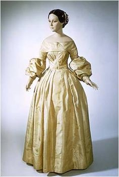 1830's Sleeves:  the 1830's are, in their essence, all about the sleeves.  A wide variety of terms emerged to distinguish between the nuances of puffiness (very puffy) sleeves: beret imbecile eleph...