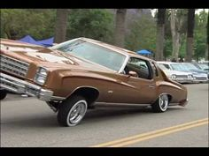 ▶ Lowriders at Elysian Park in L.A. - YouTube To go along with Los Lowriders reading. It might be good to do movie talk, lettting the students describe the cars or comparisons...