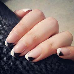 B tips #nailart #nails #manicure - @okaywecandice-...