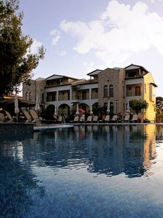 Hotel, Beautiful World, Paradise, Mansions, House Styles, Manor Houses, Villas, Mansion, Palaces