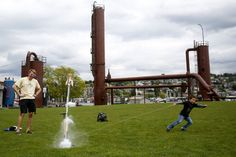 Soaking up springtime at Gas Works park | The Seattle Times