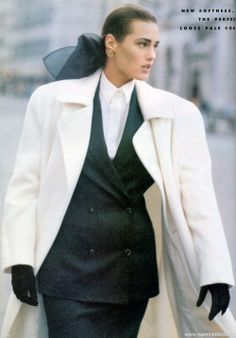 """New Day At The London Collections"", Vogue UK, August 1986  Photographer : Peter Lindbergh  Model : Yasmin Le Bon"