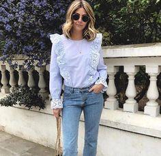 Un look effortless chic avec une blouse à volants bleu clair : http://ptilien.fr/pz7L