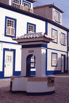 Chafariz da Rua do Norte, Ericeira, Portugal.