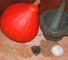 Gebackene Kürbis-Spalten - Kürbis macht sich auch als leckere und pikant gewürzte Gemüsebeilage gut.