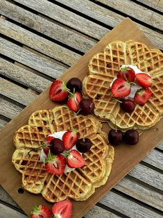 Frokostvafler eller hyttevafler, om du vil! Vafler er det iallfall, så kan jo du selv Cottage Cheese, Waffles, Recipies, Breakfast, Food, Recipes, Meal, Eten, Meals