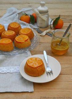 Le tortine alle clementine sono dolcetti sofficissimi e profumati, perfetti per inziare bene la giornata. Ideali per la colazione o la merenda.