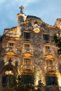 Casa Battlò es otra de las obras maestras de Antoni Gaudì.