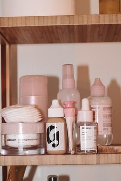 The Best Glossier Products and a Discount Code – Hey Katie Skin Care Acne, Face Skin Care, Skin Care Tips, Skin Tips, Best Glossier Products, Best Makeup Products, Beauty Products, Make Up Products, Lush Products
