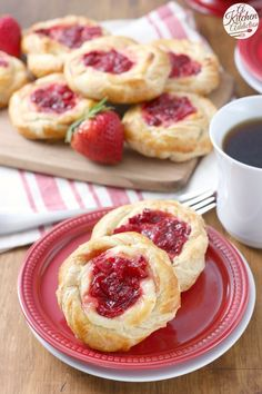 These super easy Strawberries and Cream Danishes get a little help from pre-made puff pastry and are filled with a sweet cream cheese layer and a homemade strawberry filling! Perfect for breakfast, brunch, or even dessert! Just Desserts, Delicious Desserts, Dessert Recipes, Yummy Food, Delicious Cupcakes, Breakfast Pastries, Breakfast Cake, Breakfast Recipes, Breakfast Casserole