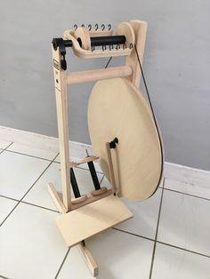 S17 Spinning Wheel - Louët