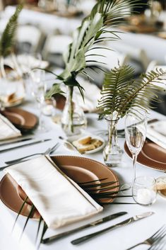 Tropical Wedding at Sydonie Mansion - Orange Blossom Bride Tropical Wedding Decor, Tropical Party, Tropical Decor, Tropical Furniture, Tropical Weddings, Botanical Wedding Theme, Tropical Wedding Centerpieces, Tropical Interior, Modern Tropical