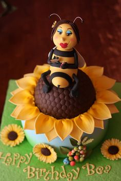 Du-Bee cake by Andrea's SweetCakes,
