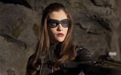 'Arrow' postmortem: Scoop on what's next for The Huntress, Thea, and the big 'mid-midseason finale' | EW.com