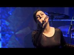 Tendo a Lua - Pitty e Paralamas - YouTube