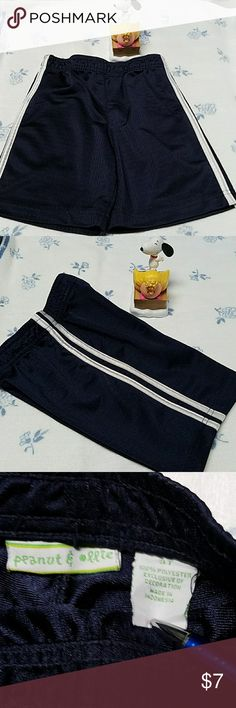 Sz 3T mesh navy shorts w/linning. Strip on side. Slightly used no damage to shorts.these are a nave blue mesh shorts with double line strips on the side of them. Bundle in any of my categorys (mix & match or single items) an save huge on a bundle an shipping. Guarantee return if not satisfied.  Look at skinny2curvey an hope you enjoy poshing. Peanuts Bottoms Shorts