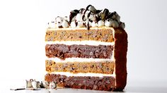 Looking for a crowd-pleasing cake? You've found it with this scrumptious S'Mores Layer Cake recipe, layers of chocolate, graham and toasted marshmallow frosting. Köstliche Desserts, Delicious Desserts, Dessert Recipes, Yummy Food, Cupcakes, Cupcake Cakes, Yummy Treats, Sweet Treats, Biscuits Graham