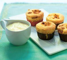 Mafiny s vanilkovým krémom Muffins, Cupcakes, Breakfast, Food, Basket, Fine Dining, Morning Coffee, Muffin, Cupcake Cakes