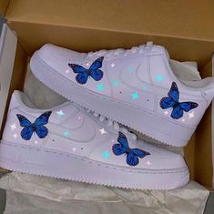 Cute Nike Shoes, Cute Sneakers, Nike Air Shoes, Jordan Shoes Girls, Girls Shoes, Butterfly Shoes, Butterfly Print, Blue Butterfly, Air Force One Shoes