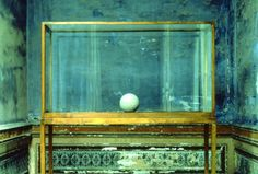James Lee Byars: The Spherical Book (Il libro sferico)