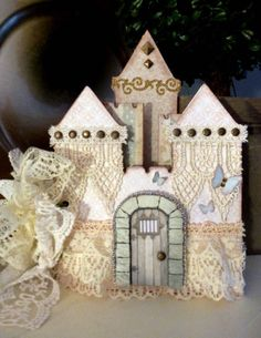 MOMZ Castle Chip Board Premade Mini Scrapbook Album*Adriana*