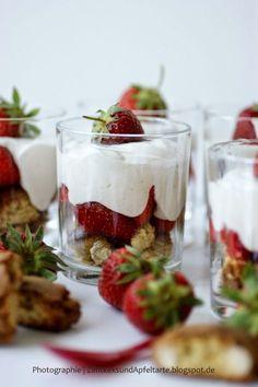 Sommerlicher easy-peasy-Nachtisch: Erdbeer-Tiramisu im Glas - Zimtkeks und Apfeltarte