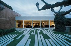 Holy crap, a lawn/patio space that looks like a modern quilt. Heaven.