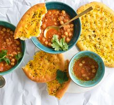 Taftan (flatbread) – BakeClub Sbs Food, Nigella Seeds, Savoury Baking, Dry Yeast, Naan, Tray Bakes, Food To Make, Vegetarian Recipes, Curry