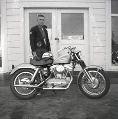 Page Pictures of Sportster Scene Ironhead Sportster Motorcycle Talk Harley Davidson History, Classic Harley Davidson, Harley Davidson Sportster, Buell Motorcycles, Cool Motorcycles, Vintage Motorcycles, Ironhead Sportster, Sportster Motorcycle, Motorcycle Racers