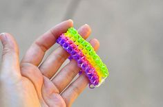 The Cheese Thief: How to Extend a Rainbow Loom Bracelet With Just One Loom Tutorial